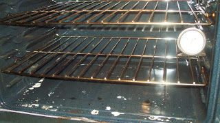 momHow: Great Tip to Clean Oven