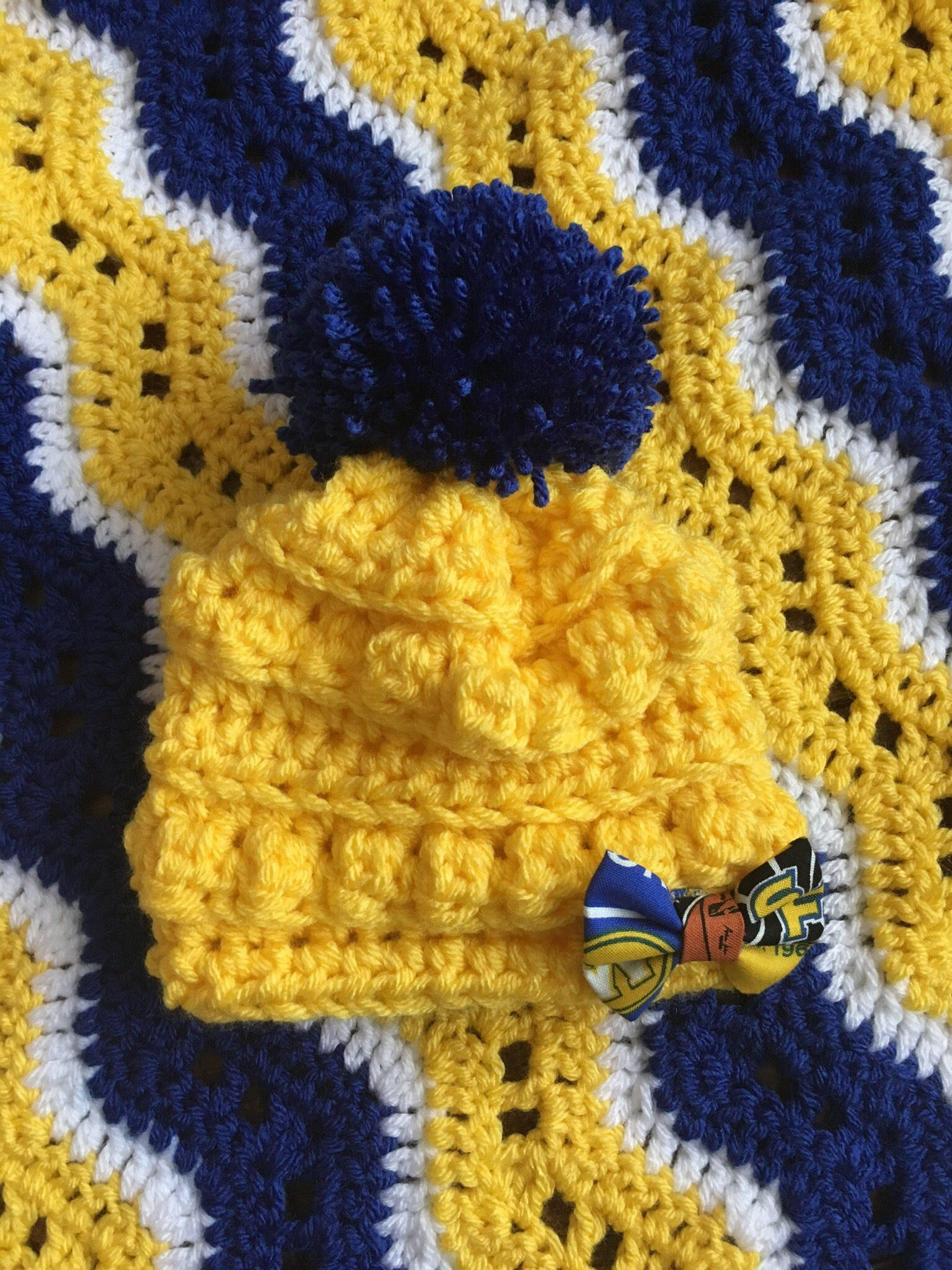 b8b4540c4dd9a8 Golden state warriors Crocheted chunky baby beanie with pom pom. Yellow hat  with blue pom