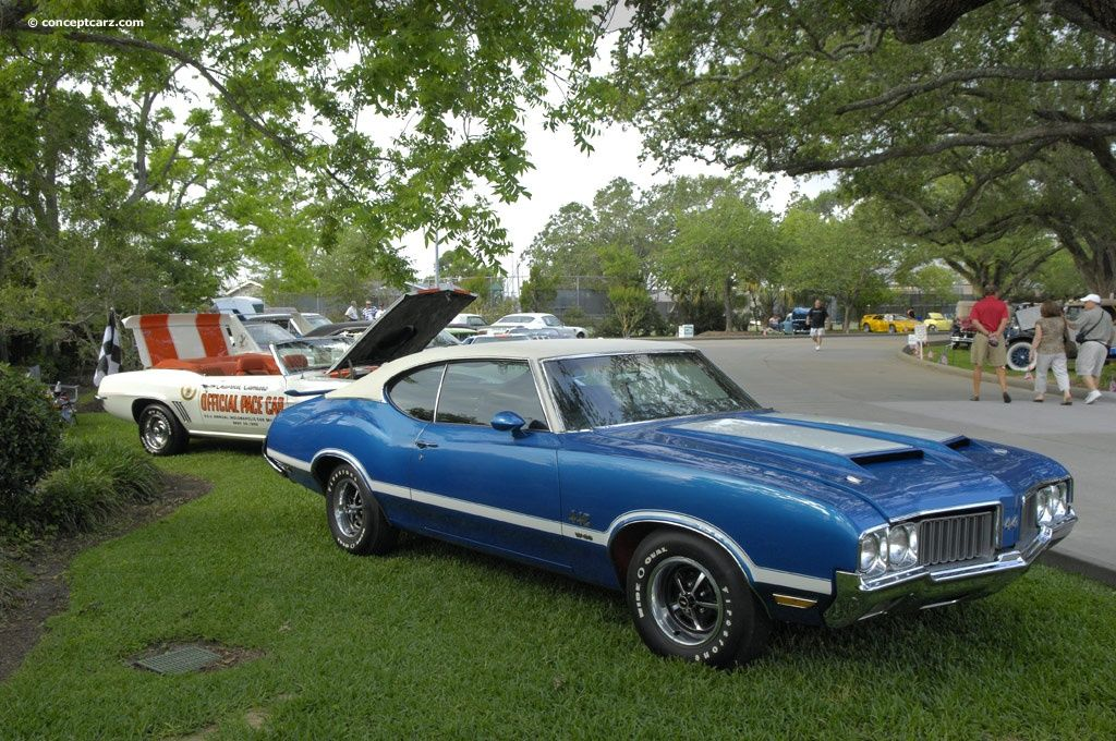 1970 oldsmobile 442 my first car but mine was copper with black rh pinterest com