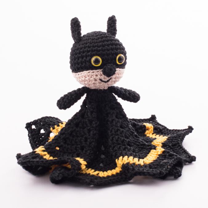 doudou plat batman fran ais crochet gratuit patron. Black Bedroom Furniture Sets. Home Design Ideas