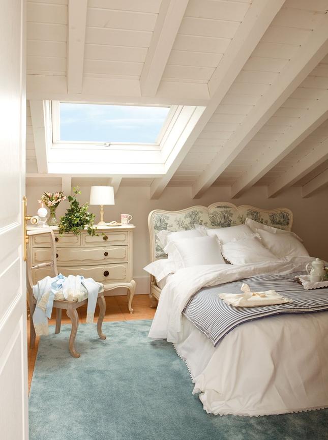 bianco e turchese Loft BedroomsAttic