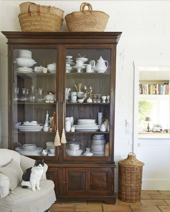 Kitchen China Cabinet: Vintage Baskets And Charming Ways To Display Them