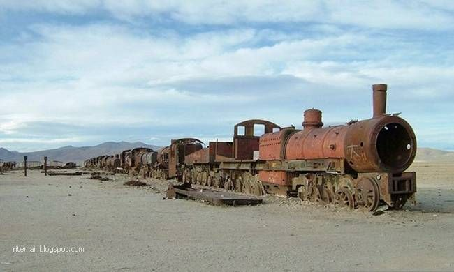 An abandoned Bolivian train in the middle of the Atacama desert.
