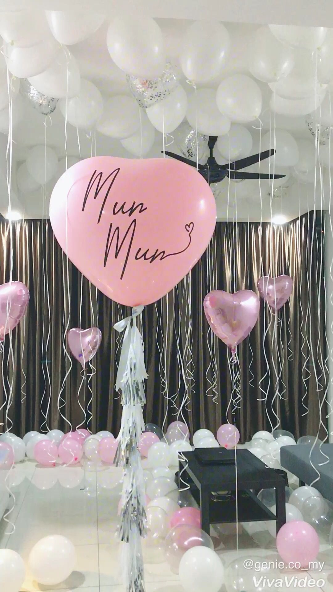 Surprise full with balloons Surprise full