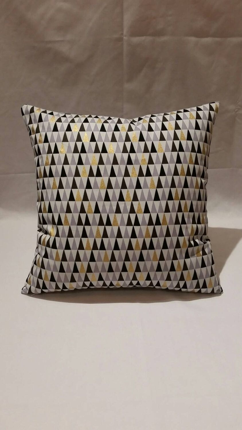 pin by andrea rubini on cojines triangle pillow metallic prints rh pinterest ca