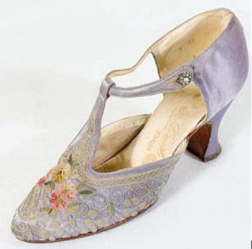 1920 S Accessory Shoes Heeled During This Time Were 2 5 Inches