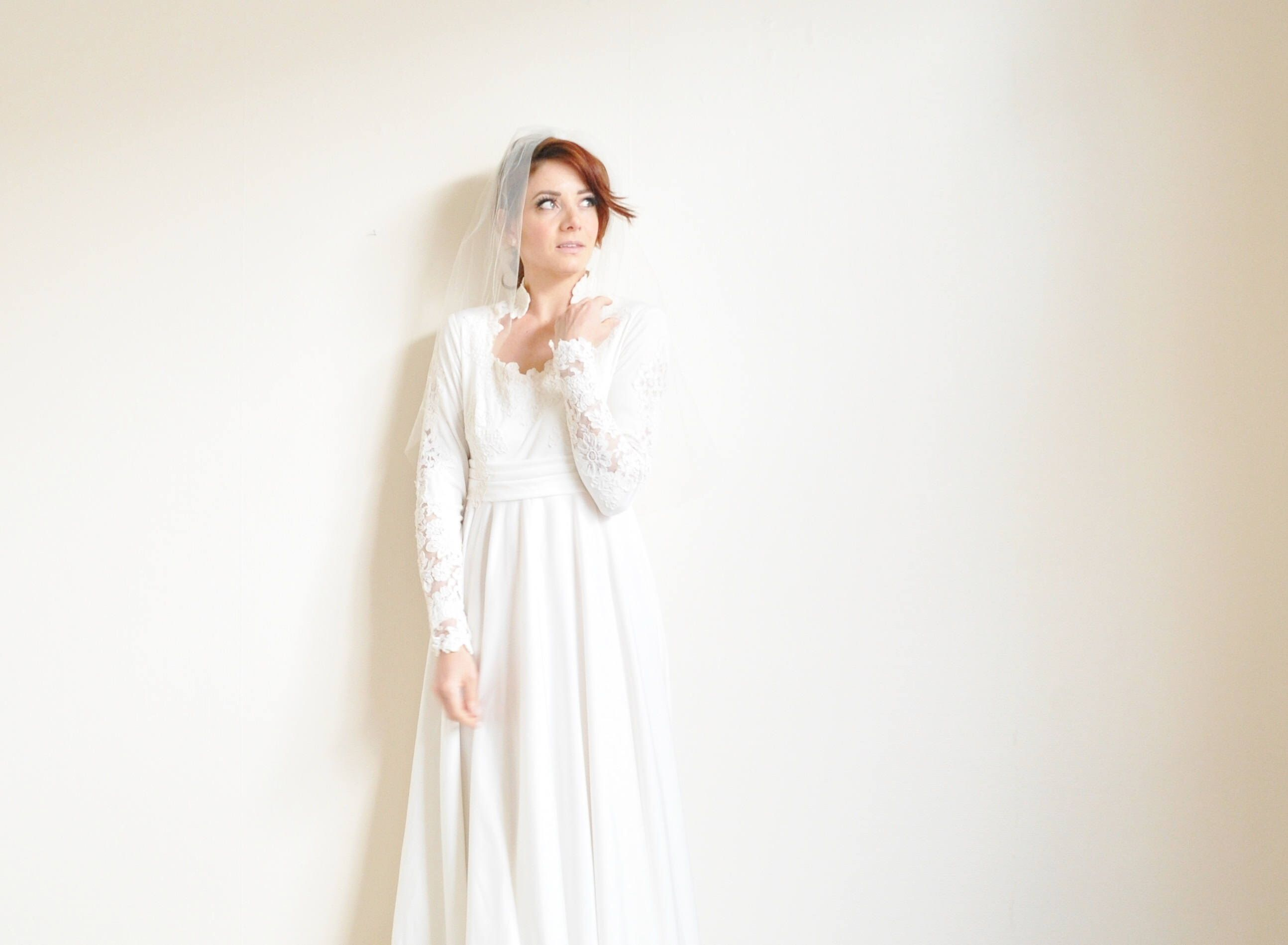 stunning bohemian wedding gown . soft ivory lace vintage bridal ...
