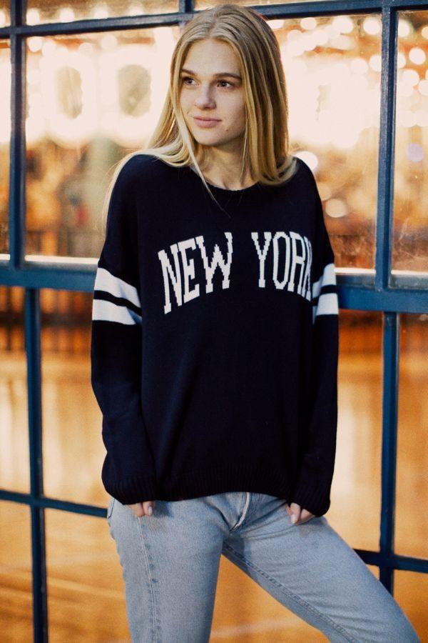 Brandy Melville Veena New York Sweater Graphics Fashion