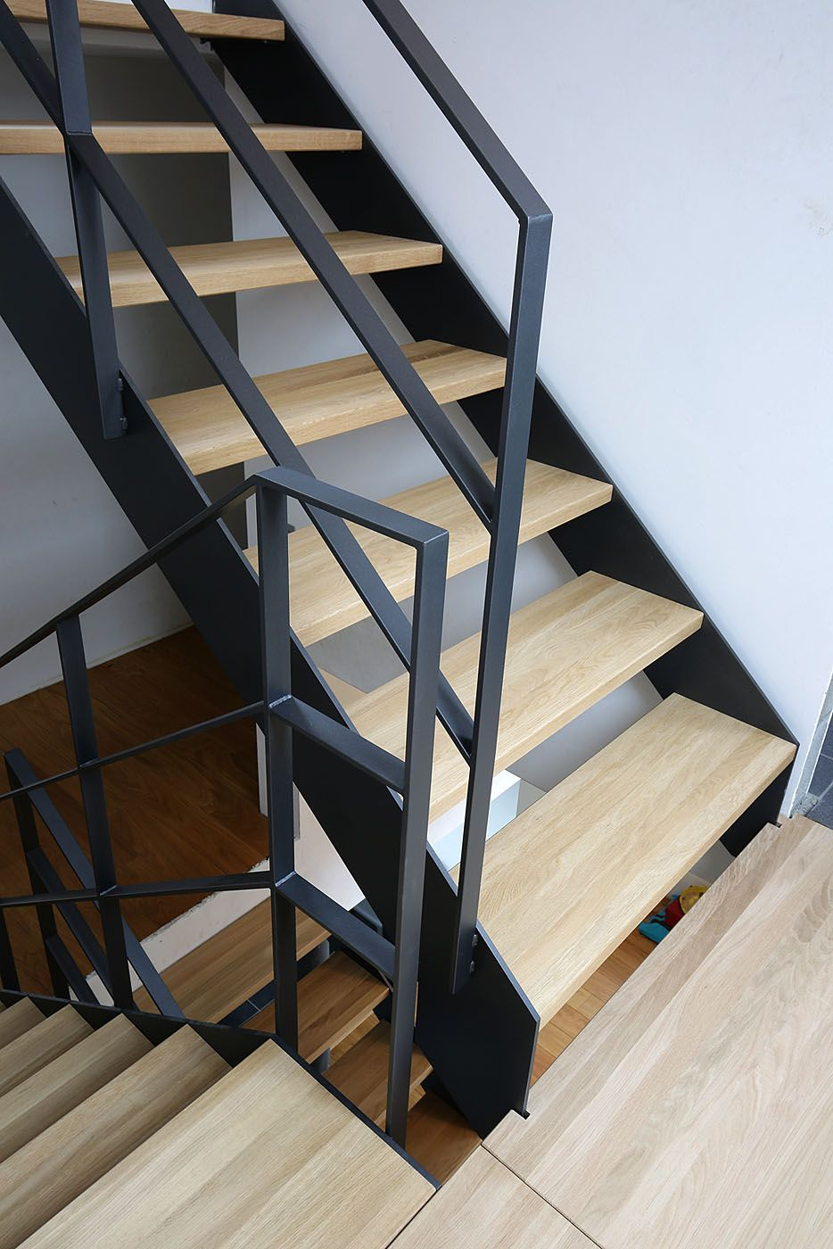 11 modern stair railing designs that are perfect stairs rh pinterest com