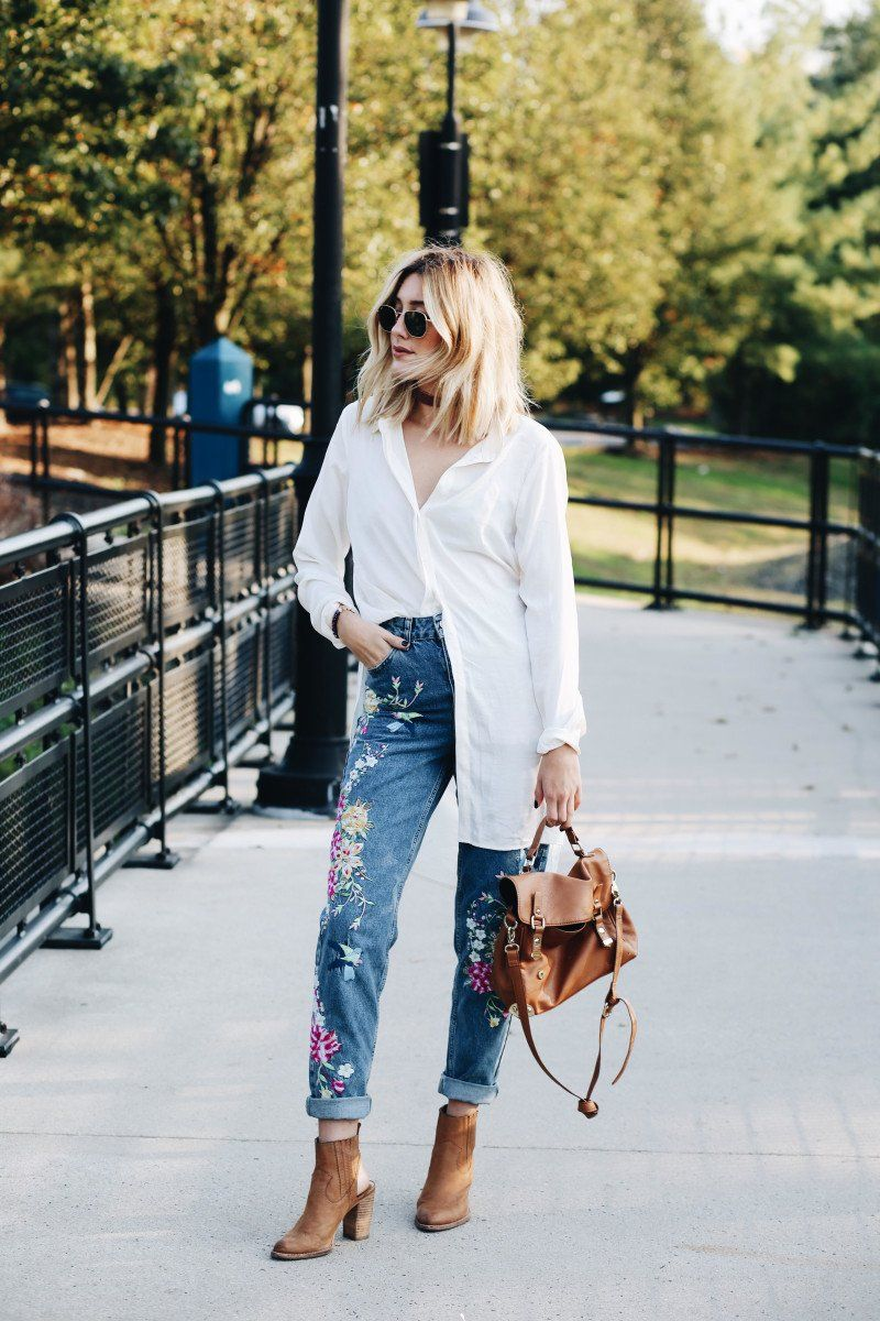 How to Wear Embroidered Jeans16 Embroidered Jeans Outfits