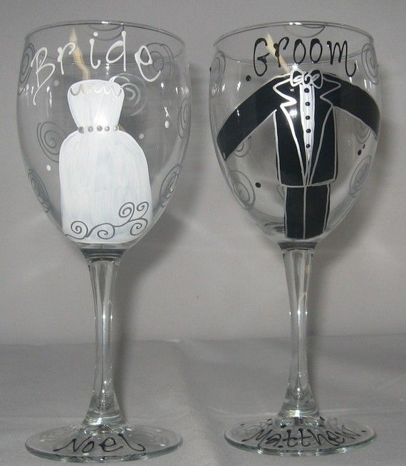 wedding gift bride and groom painted wedding glasses i thee wed rh pinterest com