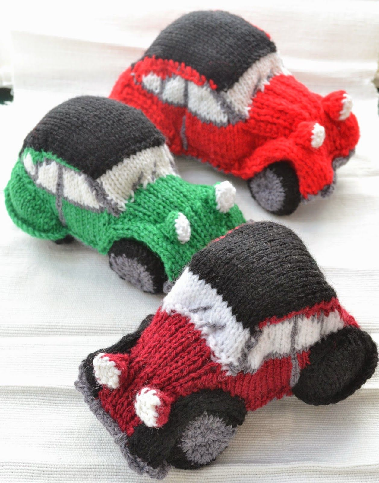 How to knit by car