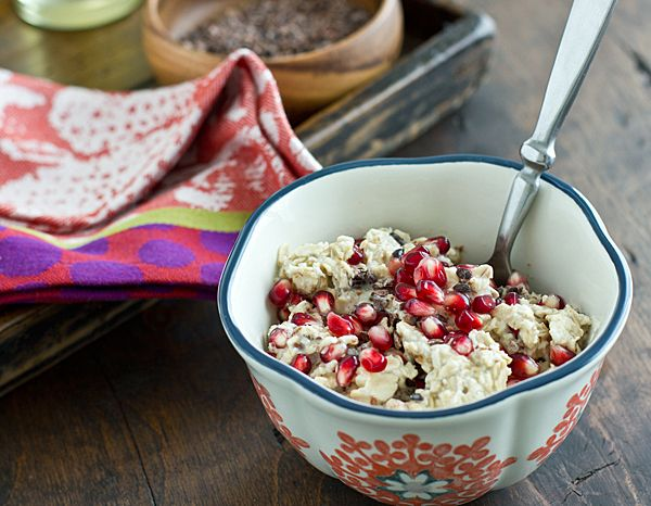 Overnight oats in a jar are a quick, easy breakfast! And this Cocoa Nib & Pomegranate Overnight Oats recipe is perfect for fall. So healthy and delicious!