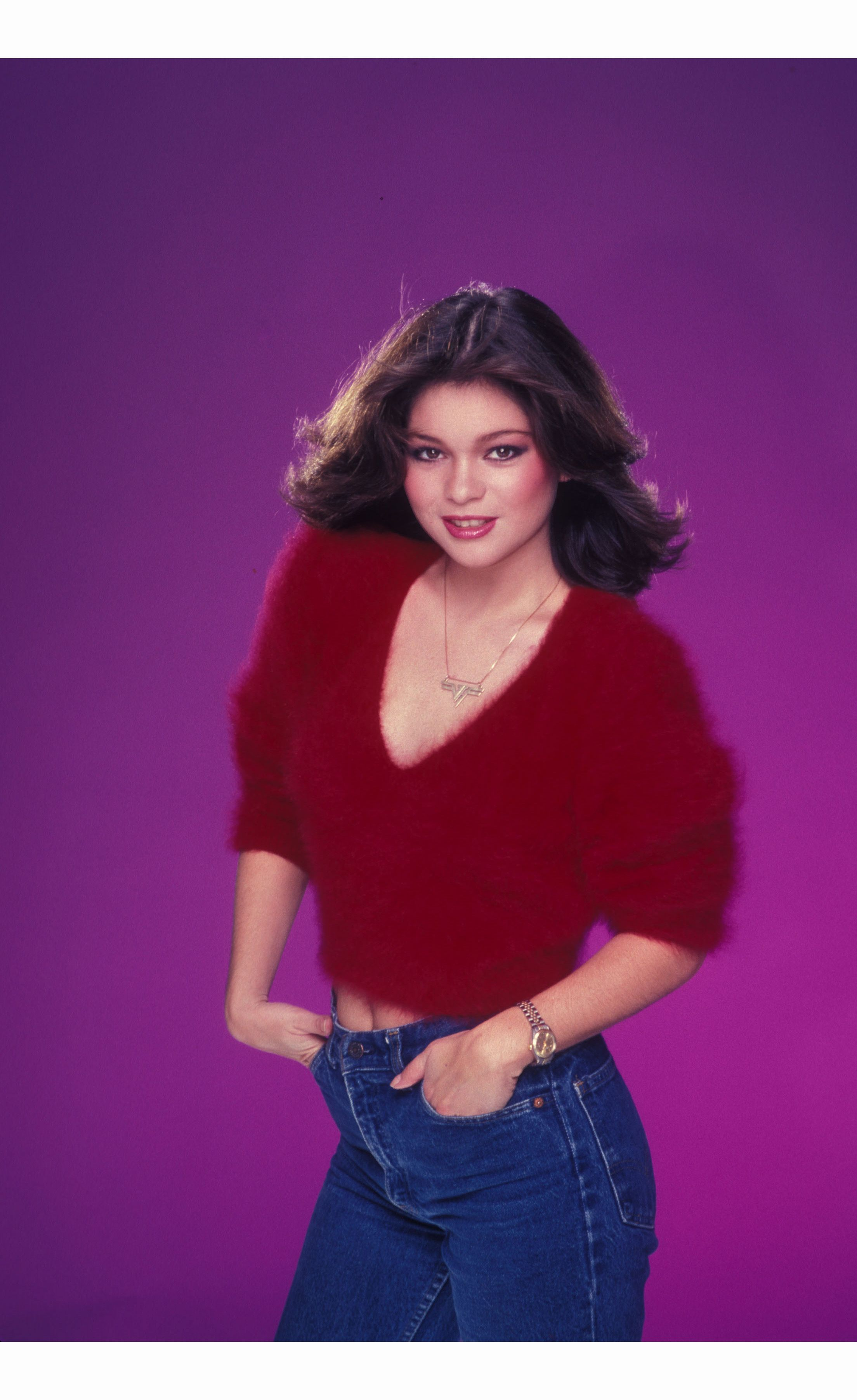 Valerie Bertinelli Poses For An Photo Session On June 22 1985 In Los Angeles California C2a9 Harry Langdon J Valerie Bertinelli Celebrities Celebrity Portraits