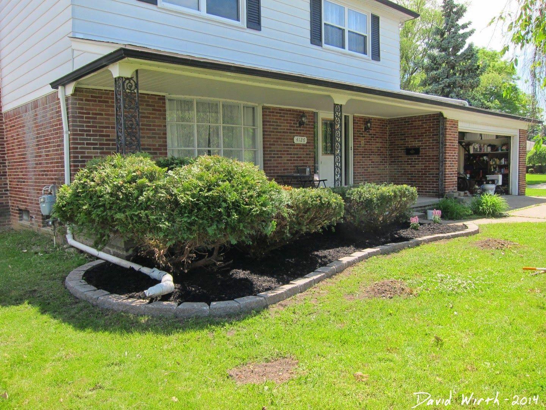 Sidewalk Garden Edging Google Search Front Door 400 x 300