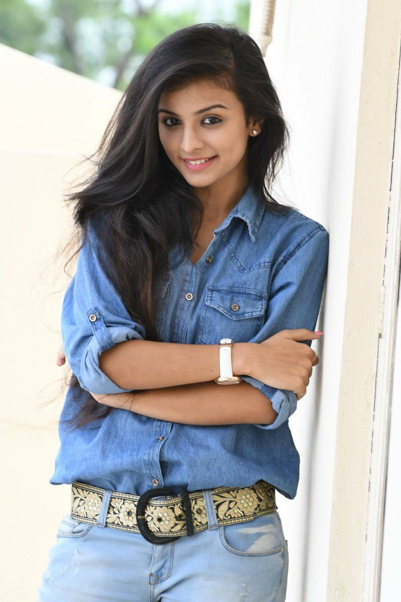 Mahima makwana Stylish girls photos, Beautiful models