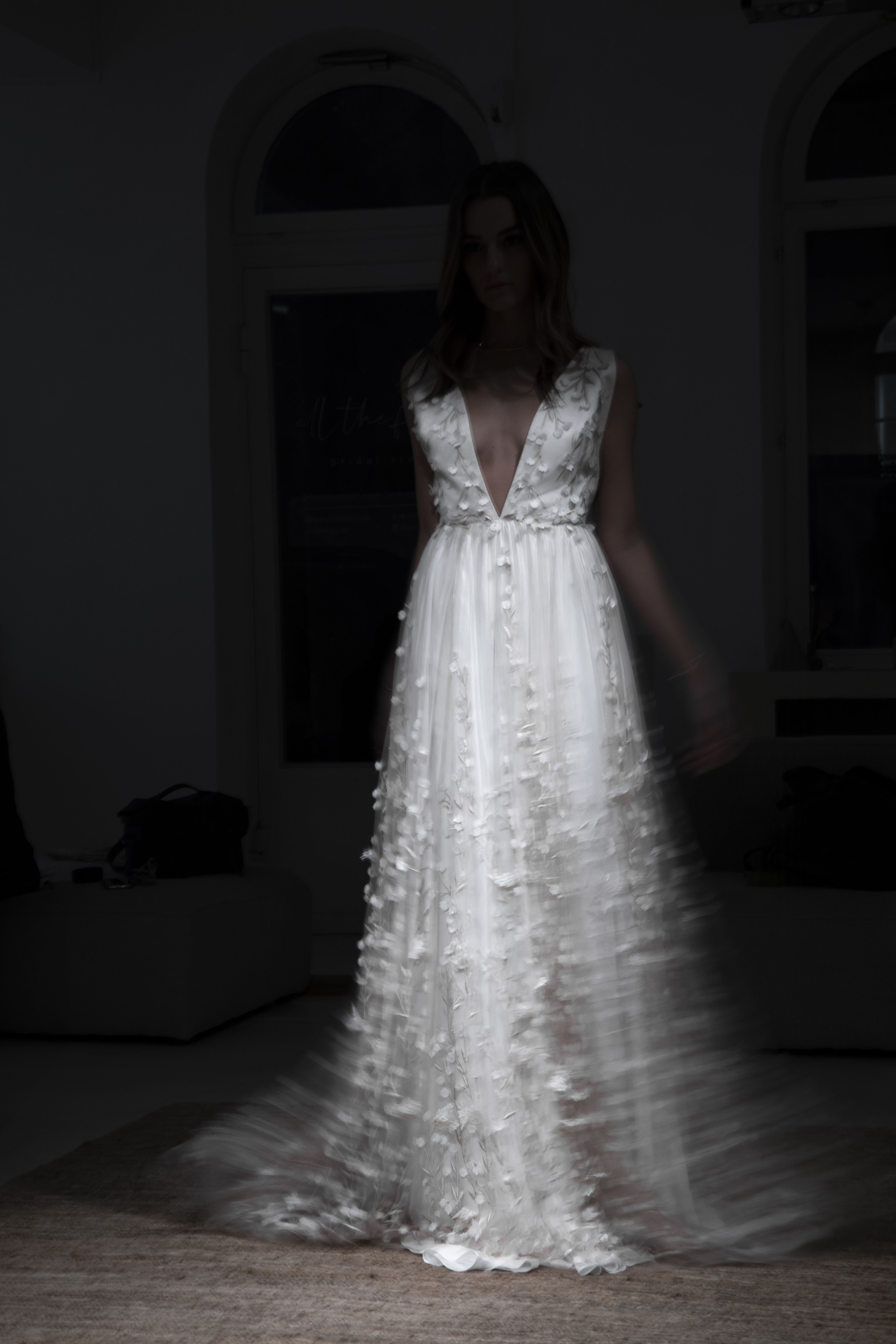 15D-Lace Wedding Dress