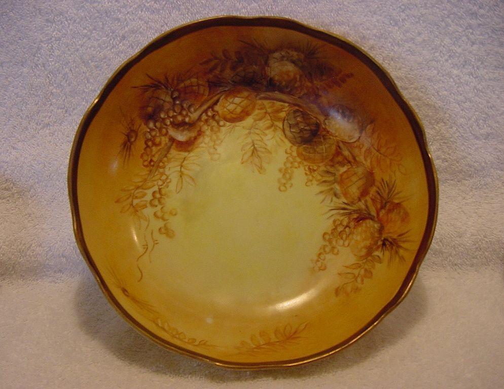 Nut bowl, hand painted  - Oscar & Edgar Gutherz  Royal Austria 1899-1918