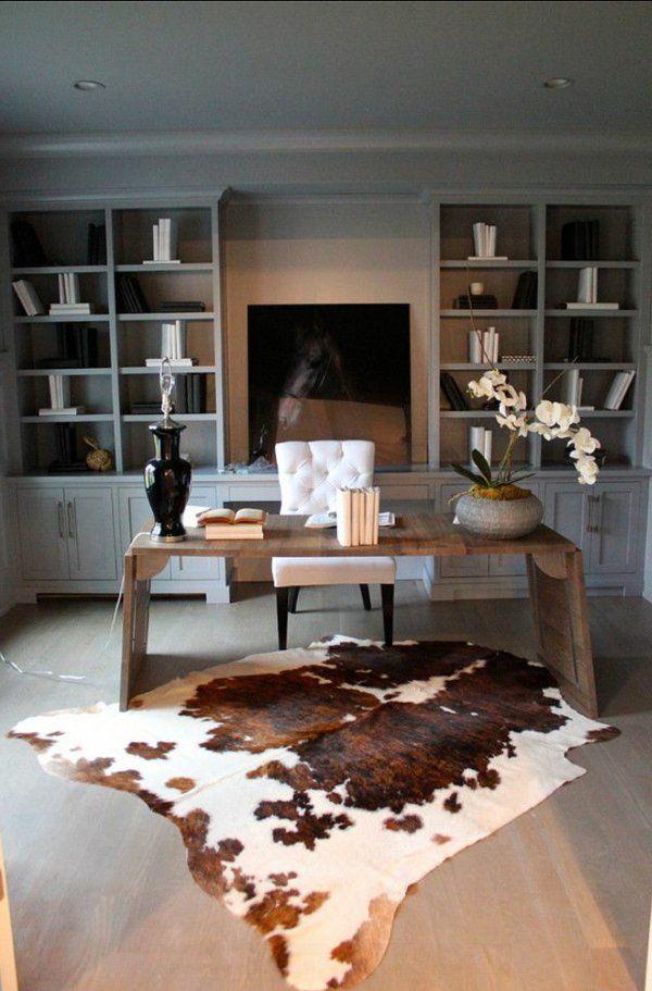 die besten 25 kuhfell teppich ideen auf pinterest kuhfell kuhfell dekor und steinwandpaneele. Black Bedroom Furniture Sets. Home Design Ideas