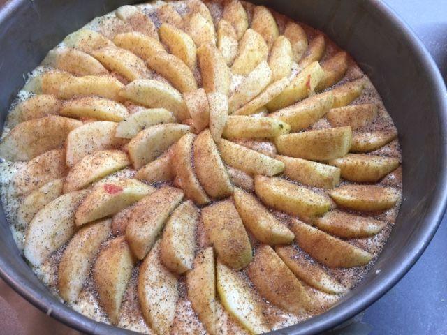 Omenapiiras ennen kuorrutteen lisäämistä.