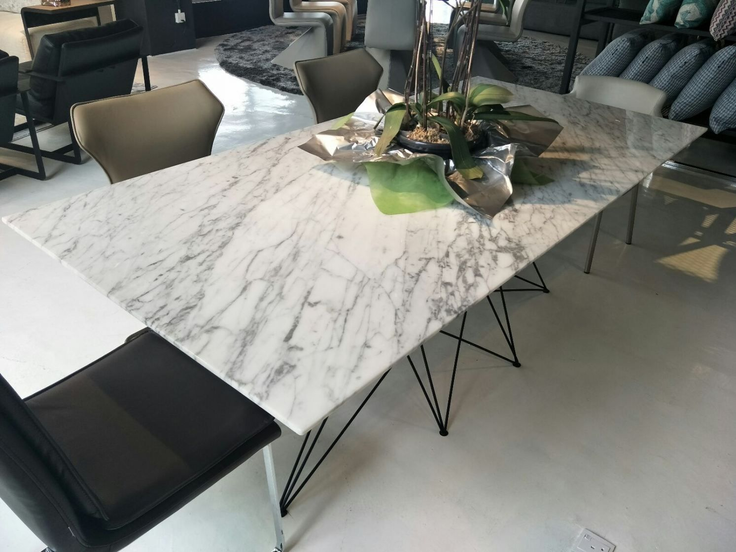 White Marble Dining Table Statuario Marble Dining Table Uk United Kingdom Supplier S Dining Table Marble Round Marble Dining Table Marble Dining Table Set
