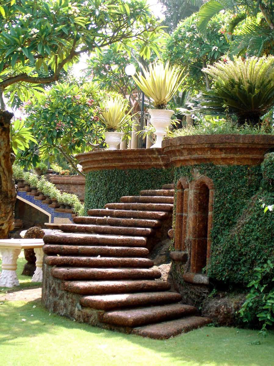 Salgaocar House Dona Paula Goa. Exquisite landscaping