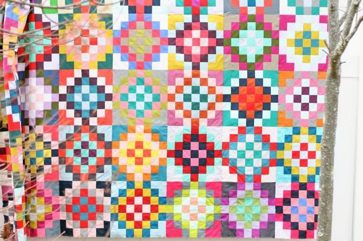 checkered garden – a quilt tutorial by Film in the Fridge