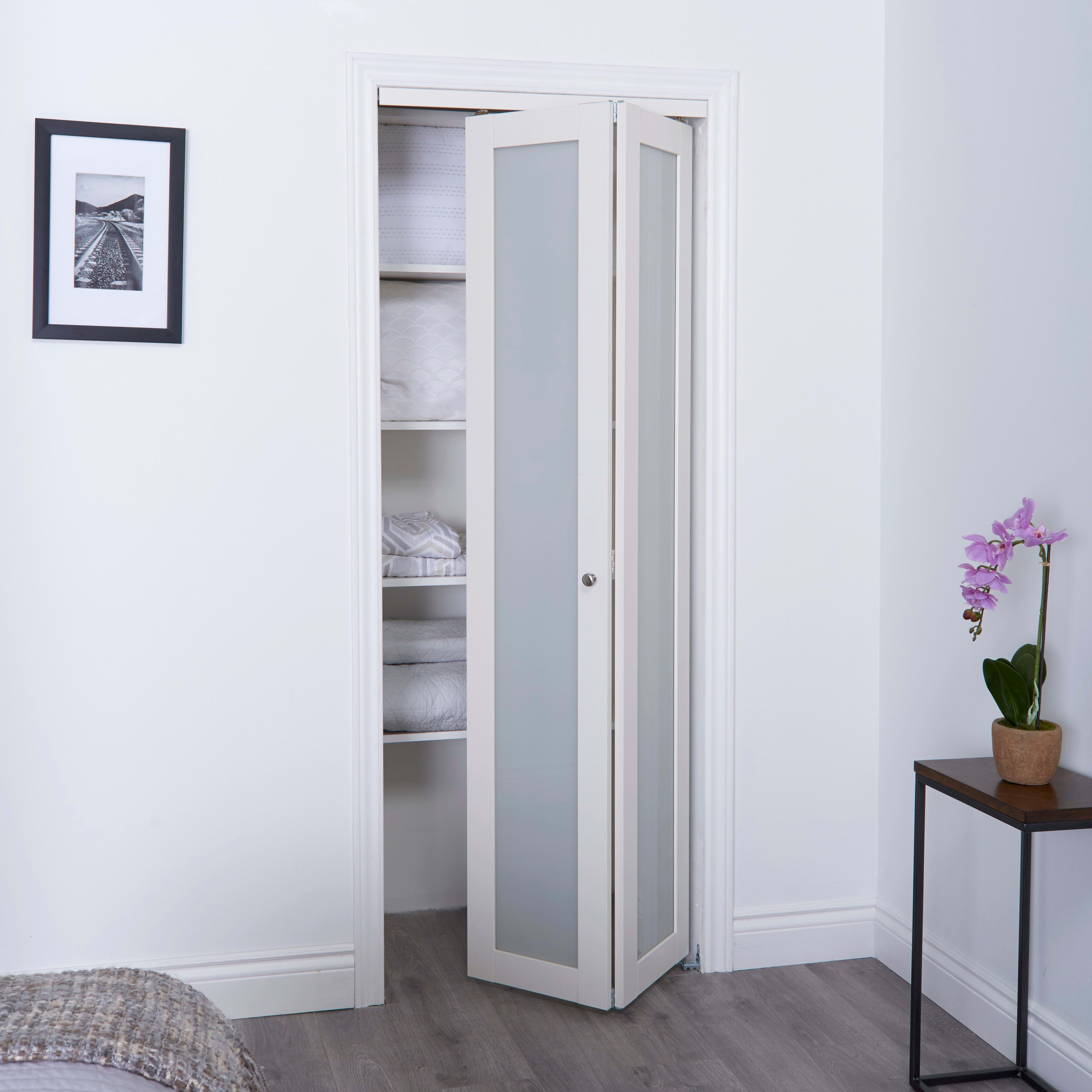 Renin Eu3010bwfge024080 Off White Euro 24 X 80 French Style 1 Lite Interior Bi Fold Closet Door With Sliding Mini 3 Wheel Connector In 2020 Frosted Glass Closet Doors Glass Closet Doors Bifold Closet Doors