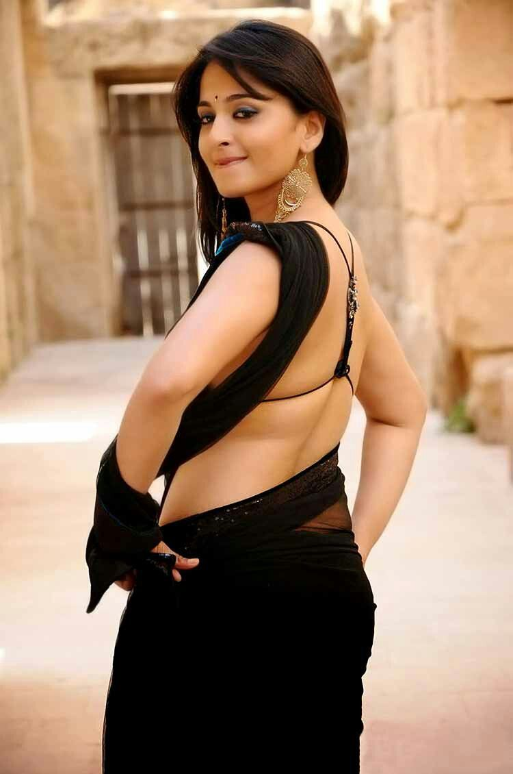 Anushka back to GLAM ATTACK
