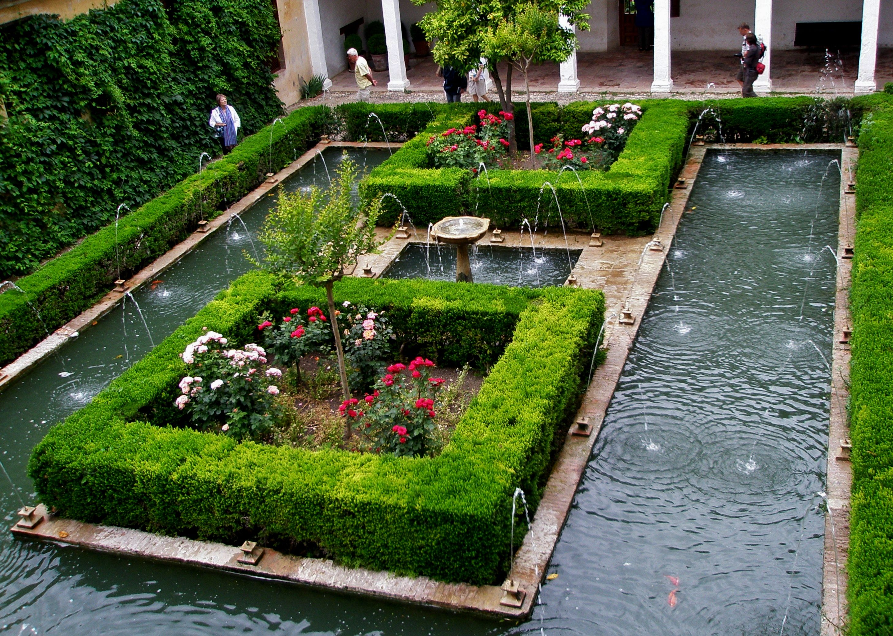 Alberca del generalife jardines arabes pinterest for Jardines generalife