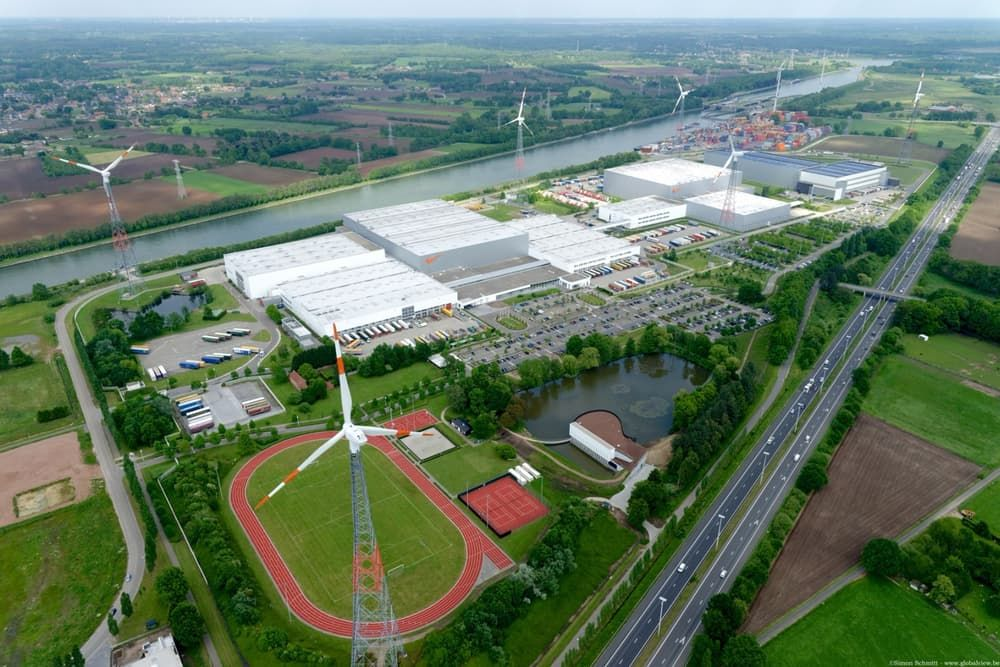At the end of May, Nike opened its new warehouse, which will be used to serve all of Europe from a single location. This warehouse is incredibly sustainable, which is always welcome when it comes to large companies. The Nike European Logistics Campus as the place is called spans an area of 1.6 million sq ft (150,000 sq m) and is located 31 miles (50 km) outside of Antwerp, Belgium. According to Nike, the warehouse…
