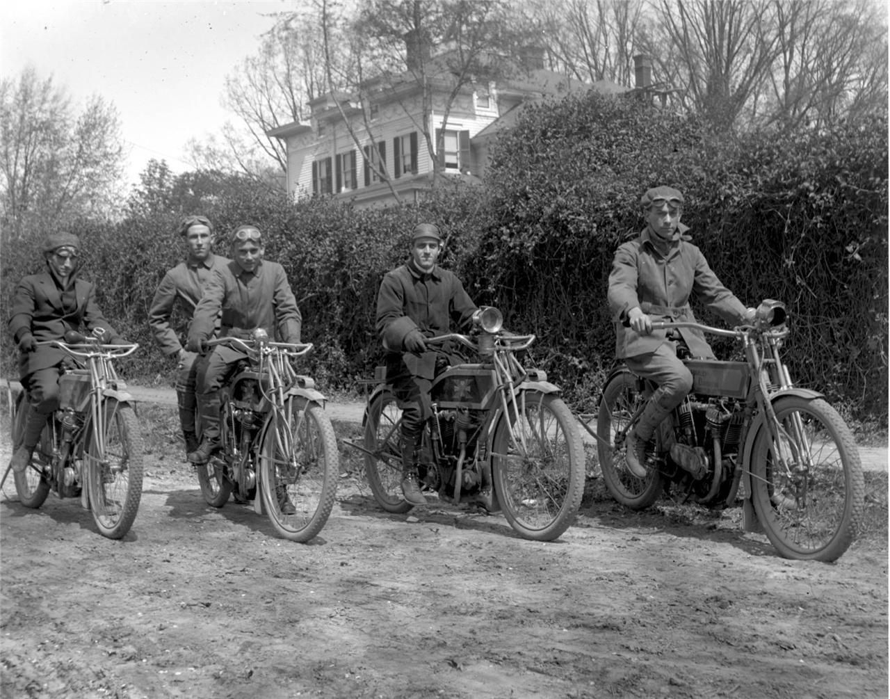 Harley Davidson: Vintage Harley Davidson Excelsior V Twin Engine Motorcycle