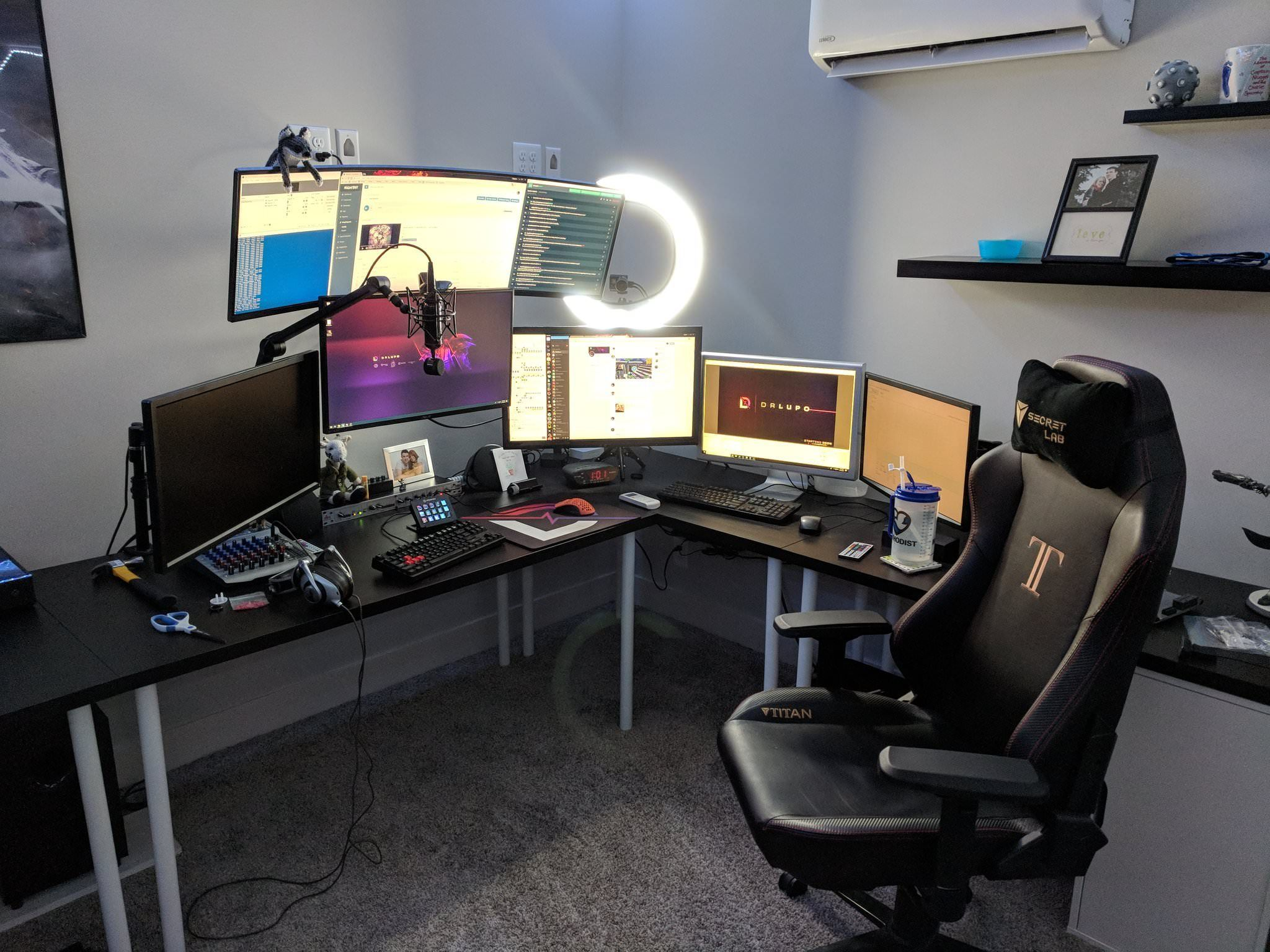 drlupoontwitch gaming streaming set up main pc is behind him out rh pinterest com