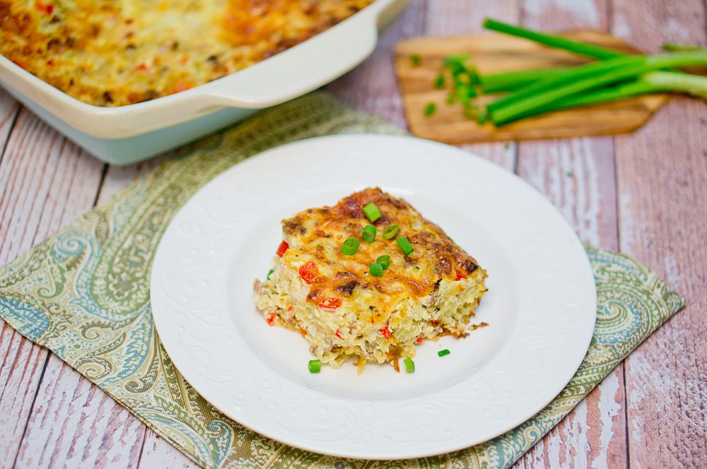 Delicious and appetizing breakfast hash brown and sausage casserole! Perfect weekend breakfast/brunch!