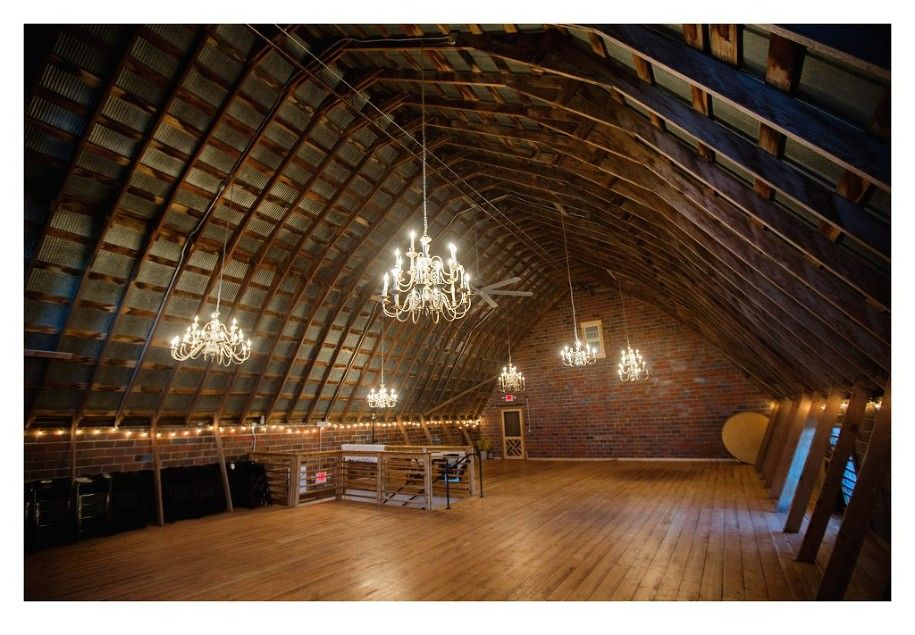 Venue Photography In Des Moines For Keller Brick Barn Wedding By Tanner Sarah Urich