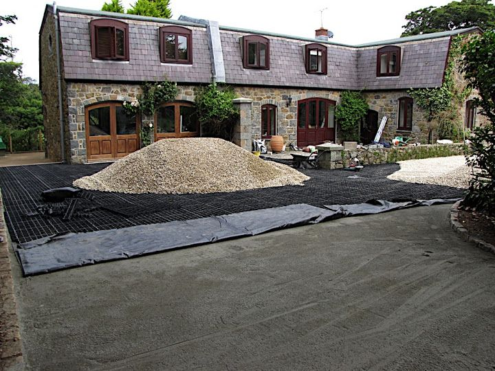 Lowcost gravel driveway grids that are weatherproof and