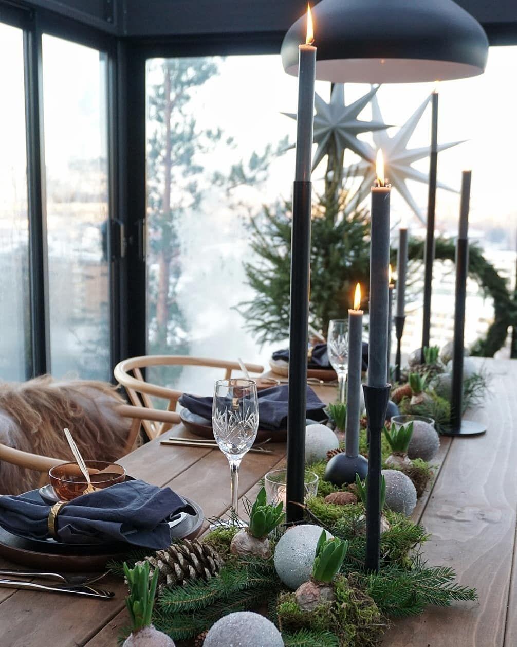 """Hanne & Rune on Instagram: """"Vår nyttårsaften blir i hagestua. . . . . #mygarden#hagestue #uterom_inspo#dittuterom#uteplass#gardendesign#hageinspirasjon…"""" #borddekkingnyttårsaften"""