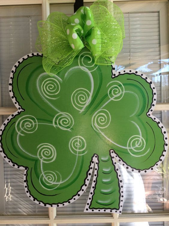 St Patrick S Painted Clover Door Hanger Burlap Door