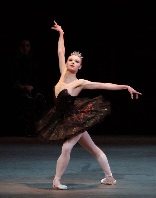 Sara Mearns In Peter Martins Swan Lake PLIÉ JETÉ CHASSÉ ALL DAY   Dance  Resumeresume Prime  Dance Resumeresume Prime