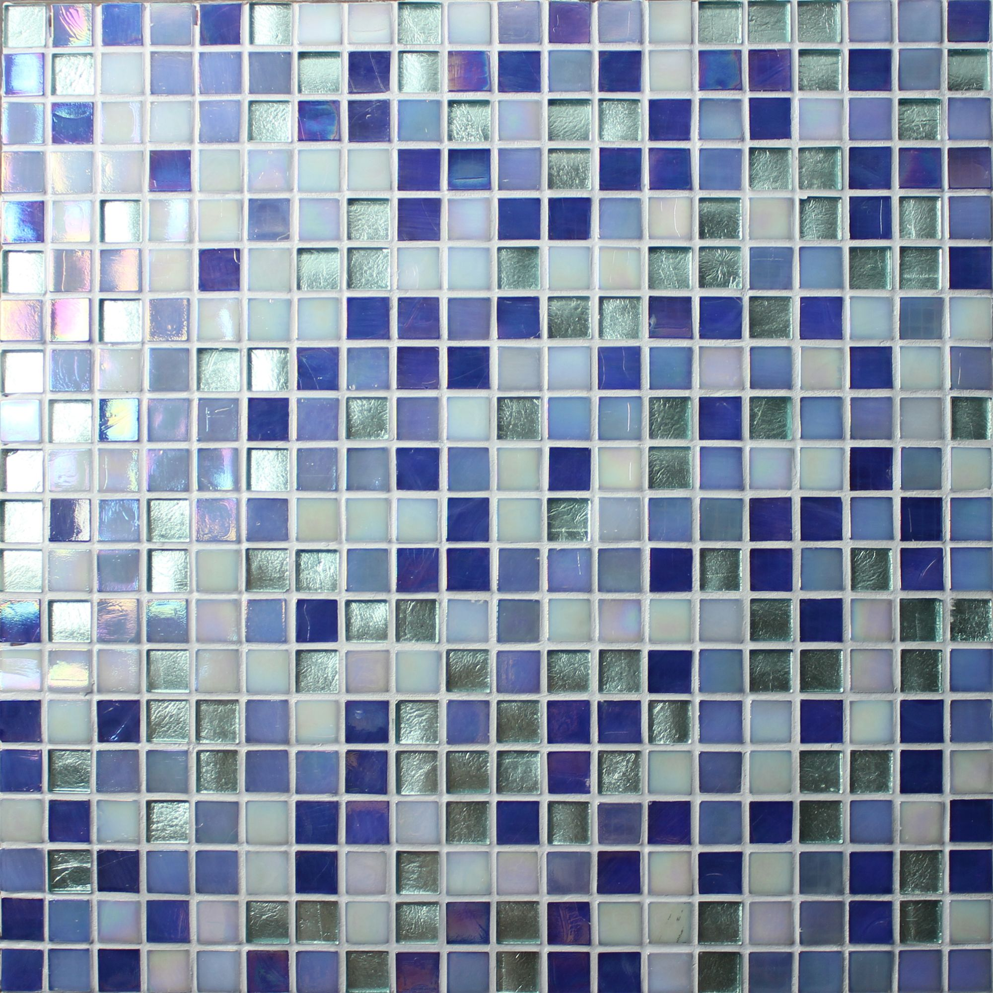 A blend of mosaic colors can make a big impression to swimming pool ...