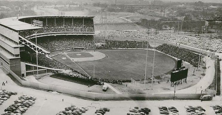 Milwaukee County Stadium In The 1950 S Brewers