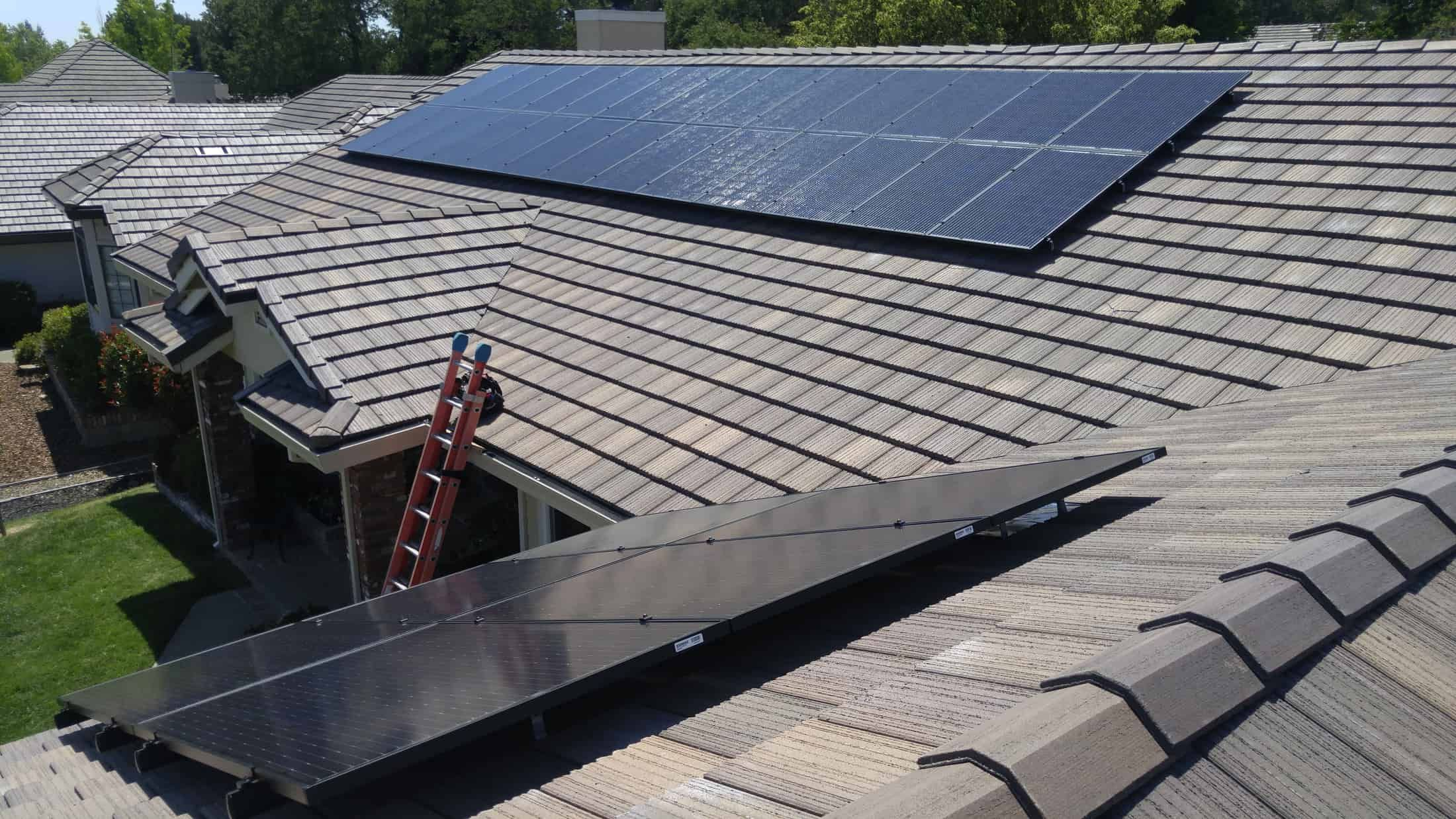 Mounting Solar Panels On Concrete Tile Roof In 2020 Solar Panels Concrete Tiles Solar Panel Installation
