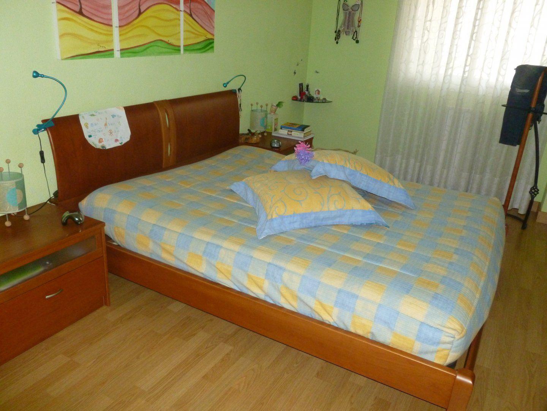 250,00€ · habitacion matrimonio · se vende 2 mesillas, cabecero y el ...