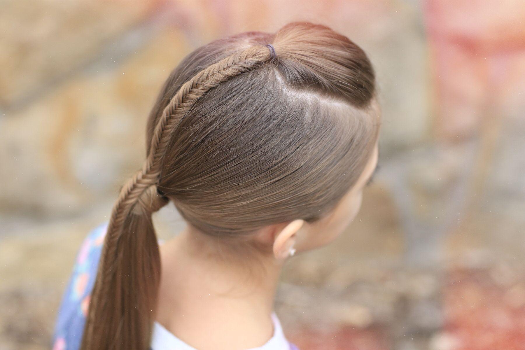Fishtail Accented Ponytail Hairstyles For Sports Accented Fishtail Hairstyles Ponytail Sports Gaya Rambut Rambut Kepang Gaya Rambut Ekor Kuda