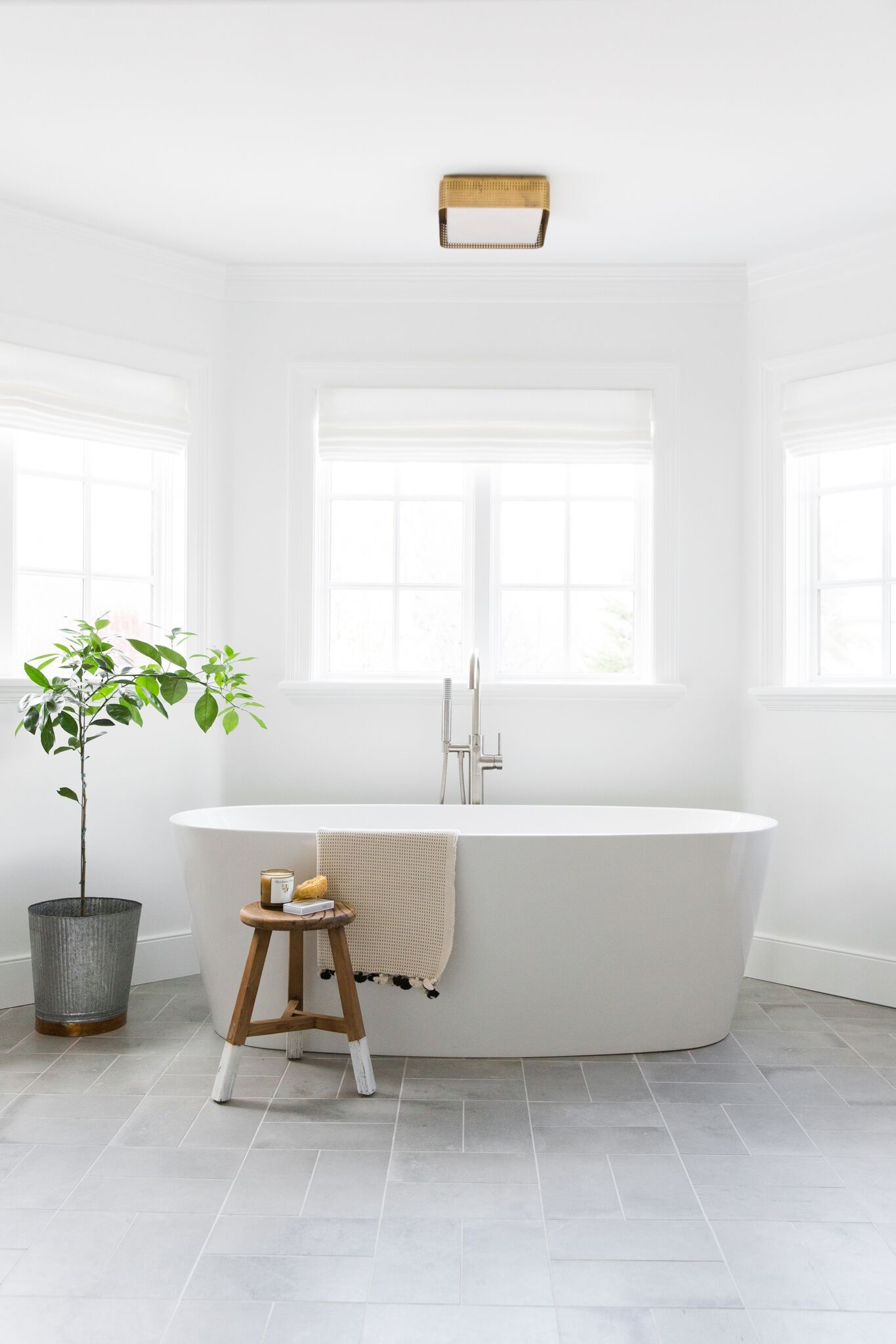 Winifred Resin Freestanding Tub Matte Finish Bathtubs