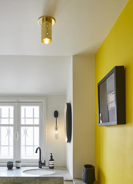 Un ancien atelier rénové en couleur par Sarah Lavoine - Turbulences Déco