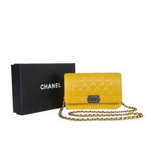 Chanel Boy Flap Sac à bandoulière en peau de mouton en cuir A301   Sac  Chanel 9356706546f