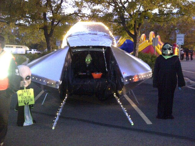 THE INGPIRE STRIKES BACK! Tricked Out Trunk or Treat trunk or - trunk halloween decorating ideas