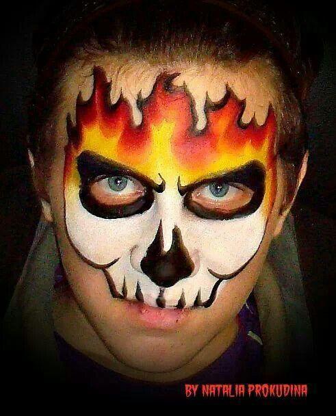 Halloween Gesichter Kinderschminken.Fire Skull Mask Bemalte Gesichter Einfache Gesichtsmalerei Kinderschminken