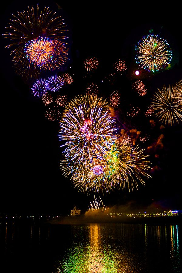 dekorideen fur silvester fire works fireworks wedding rh pinterest com